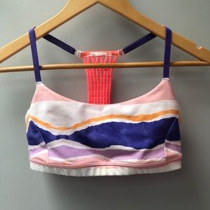 lululemon athletica Intimates & Sleepwear - Lululemon sz 6 sports bra w/ adjustable straps